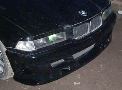Front bumper with vents meshed